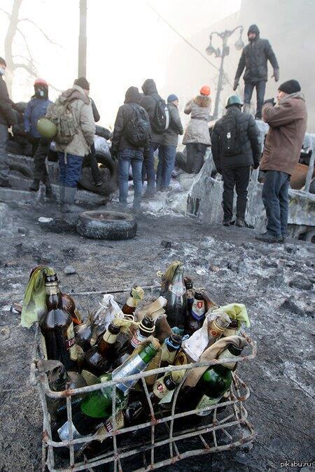 Коктейль-бар на улице Грушевского в Киеве